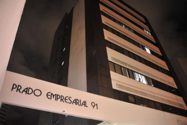 O acidente aconteceu no edifício Prado Empresarial, localizado na rua Metódio Coelho - Foto: Felipe Iruatã l Ag. A TARDE
