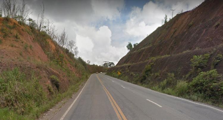 O jovem teria iniciado o percurso em Guaratinga e seguia para Eunápolis, distante a cerca de 50 km - Foto: Reprodução   Google Maps