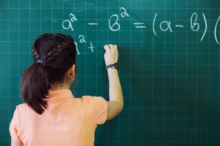Em média, professores no Brasil usam só 67% do tempo em atividades ligadas ao aprendizado - Foto: Divulgação   Freepik