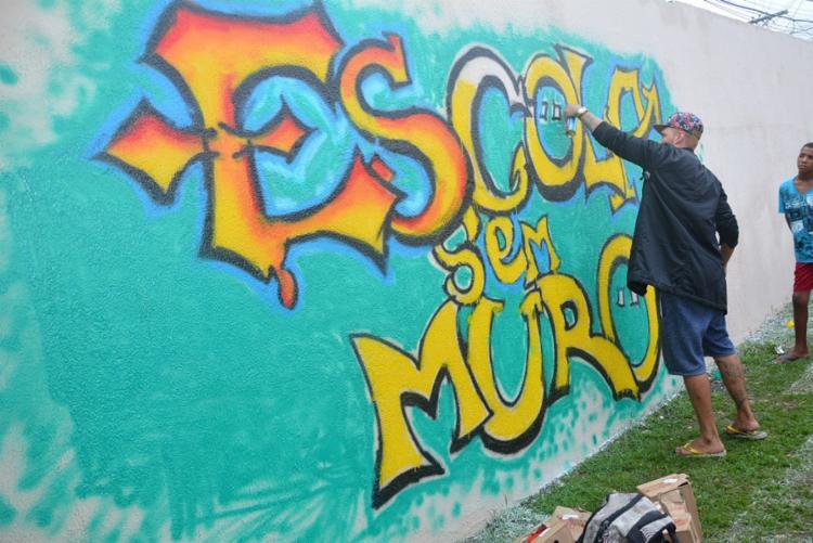 Grafitagem foi oferecido à comunidade na inauguração do projeto