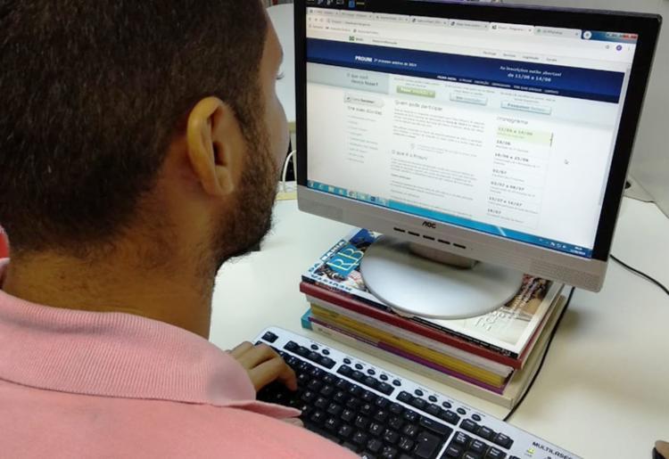 Serão ofertadas 169.226 bolsas de estudos em instituições particulares de ensino superior - Foto: Thais Seixas | Ag. A TARDE