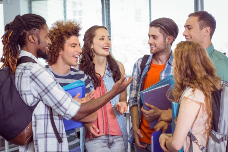 Estudantes podem concorrer às bolsas integrais ou parciais do PROUNI - Foto: Divulgação
