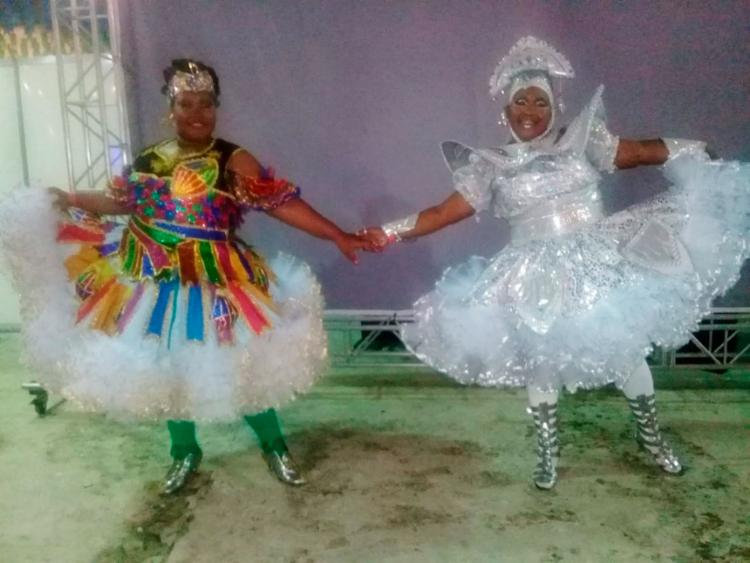 Mãe e filha dançam juntas há 5 anos