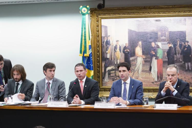 Comissão vai debater relatório do deputado Samuel Moreira, apresentado na última quinta - Foto: Pablo Valadares | Câmara dos Deputados