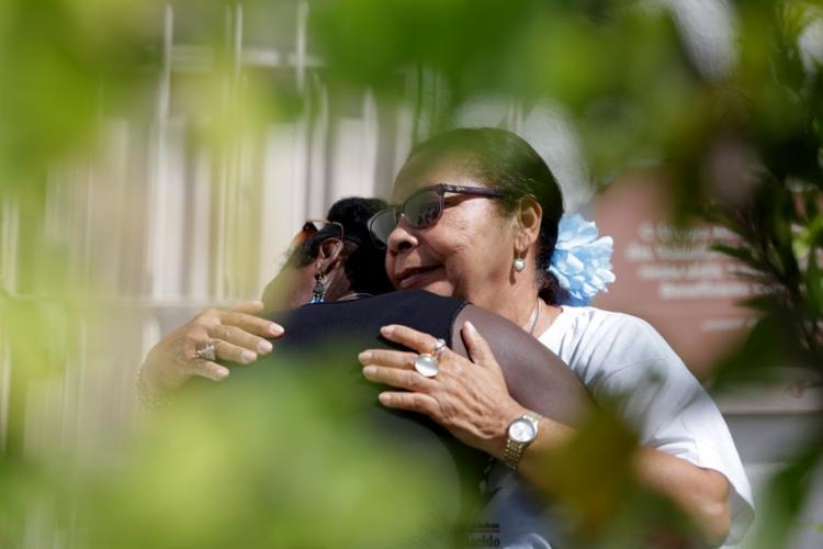Ana foi acolhida por Conceição Macedo, fundadora do Instituto Beneficente Conceição Macedo | Foto: Joá Souza | Ag. A TARDE