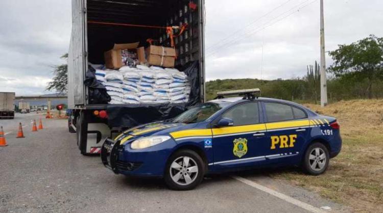 Peças estavam escondidas em carga de sal - Foto: Divulgação   PRF