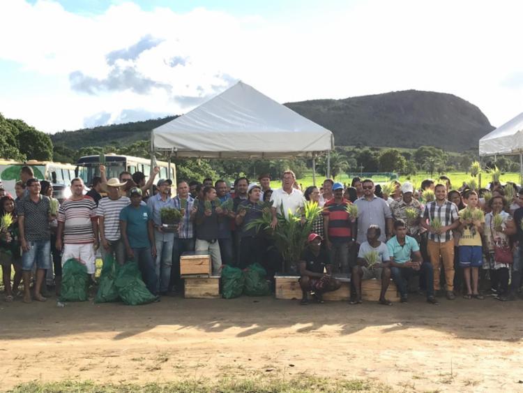 Agricultores familiares do município de Santa Terezinha recebem benefícios do governo do Estado - Foto: Divulgação