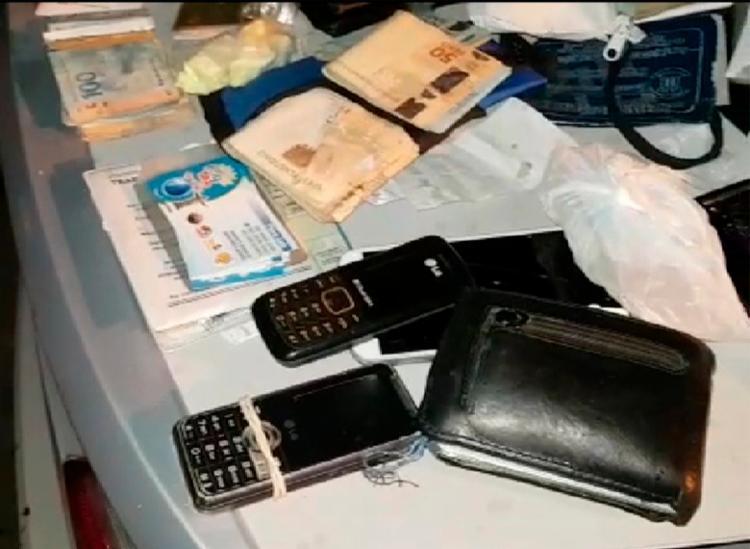 Foram encontrados cerca de 50 ingressos falsos do Forró do Sfrega, em Senhor do Bonfim - Foto: Divulgação   PRF