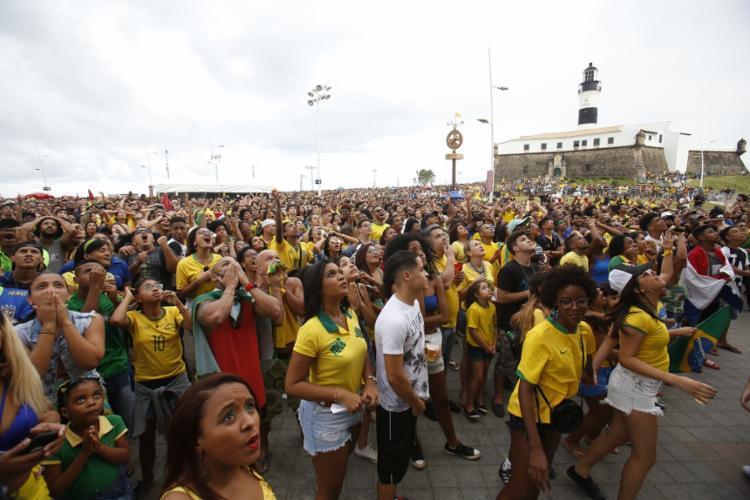 Arena no Farol da Barra deve receber cerca de 10 mil pessoas para assistir aos jogos do Brasil - Foto: Tiago Caldas | Ag. A Tarde