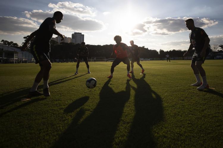 Os jogadores da seleção brasileira treinaram na tarde do sábado em São Paulo antes de viajarem para Salvador. - Foto: Lucas Figueiredo l CBF