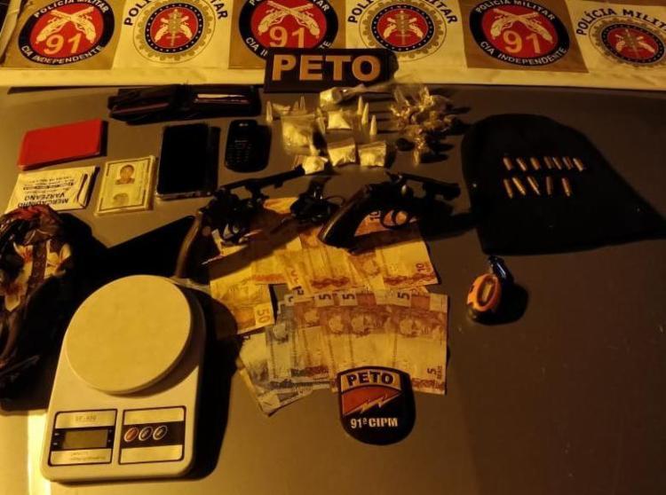 Material apreendido pela polícia no veículo dos suspeitos - Foto: Divulgação   SSP