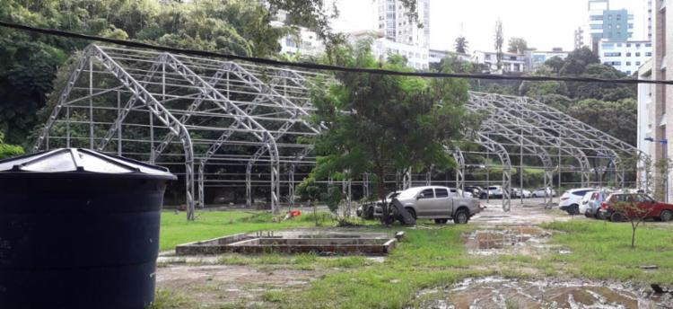 Estrutura de fórum em fase de desmontagem é usada na 'fake news' - Foto: Divulgação | UFBA