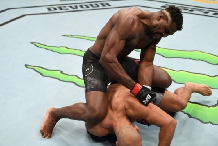 Luta teve apenas 1m11s de duração - Foto: Divulgação | UFC