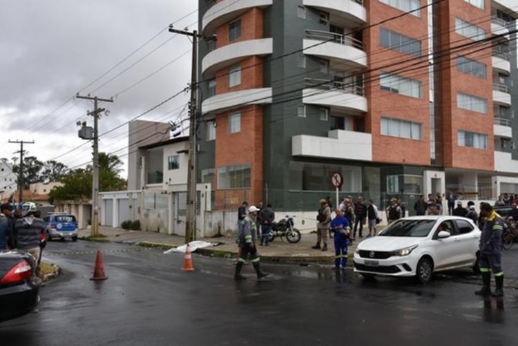 Acidente aconteceu no encontro das avenidas Rosa Cruz e Braulino Santos - Foto: Divulgação | Blog do Anderson