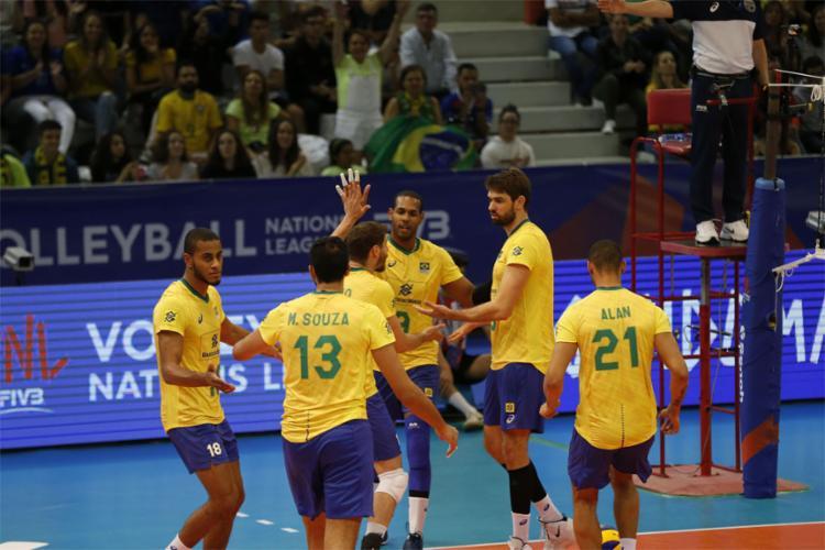 O time comandado por Renan Dal Zotto perdeu por 3 sets a 2 - Foto: Divulgação l FIVB