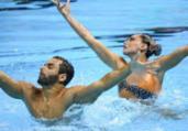 Dueto do nado artístico avança à final do Mundial | Ed Jones | AFP