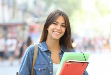 Qualificação: programa capacita jovens para se tornarem professores