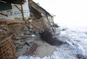 Mar revolto causa destruição em Arembepe | Adilton Venegeroles l Ag. A TARDE