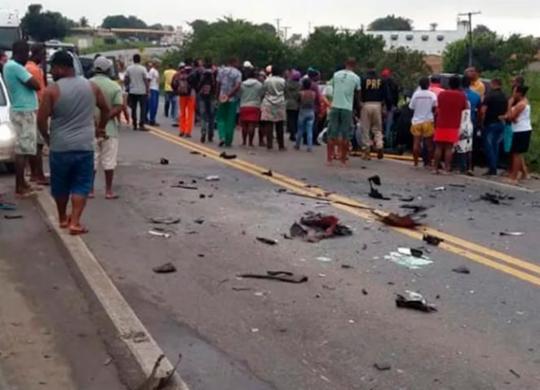 Duas pessoas morrem e quatro ficam feridas em acidente na BR-101 | Infosaj