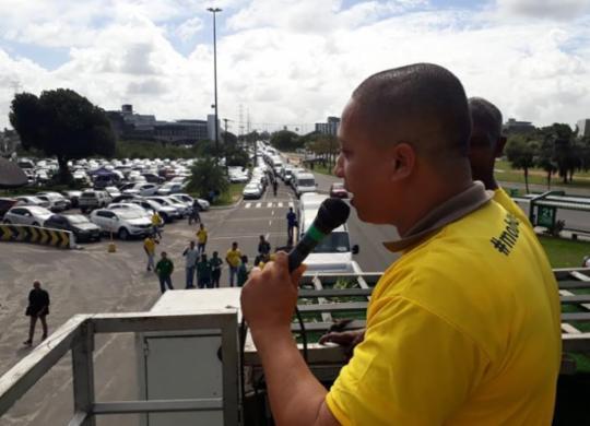 Motoristas de vans protestam em Salvador | Luan Borges I Ag. A TARDE