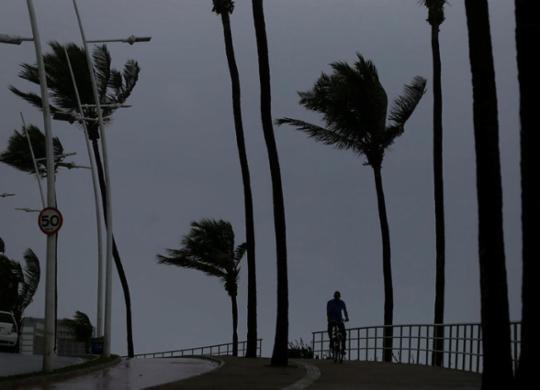 Salvador terá ventos com até 40 km/h até esta sexta | Raul Spinassé | Ag. A TARDE