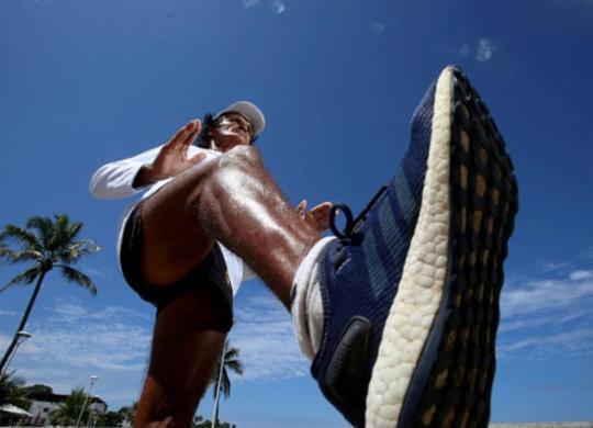 Ultramaratonista de 72 anos encara desafio de 106 km na Linha Verde | Raul Spinassé | Ag A TARDE