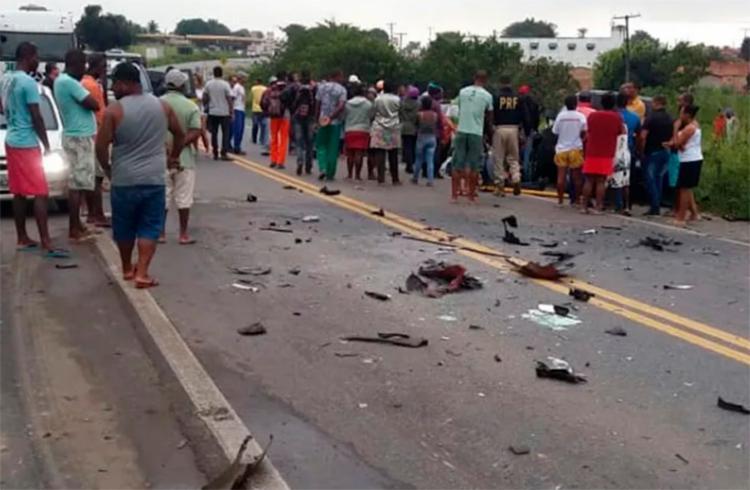 Vítimas ficaram presas nas ferragens - Foto: Infosaj