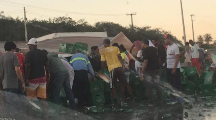 Veículo tombou no fim da tarde desta quinta-feira, 4 - Foto: Reprodução | PNotícias