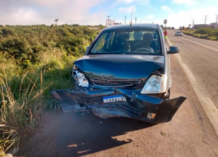 Segundo testemunhas um dos motoristas teria cochilado ao volante - Foto: Ed Santos | Acorda Cidade