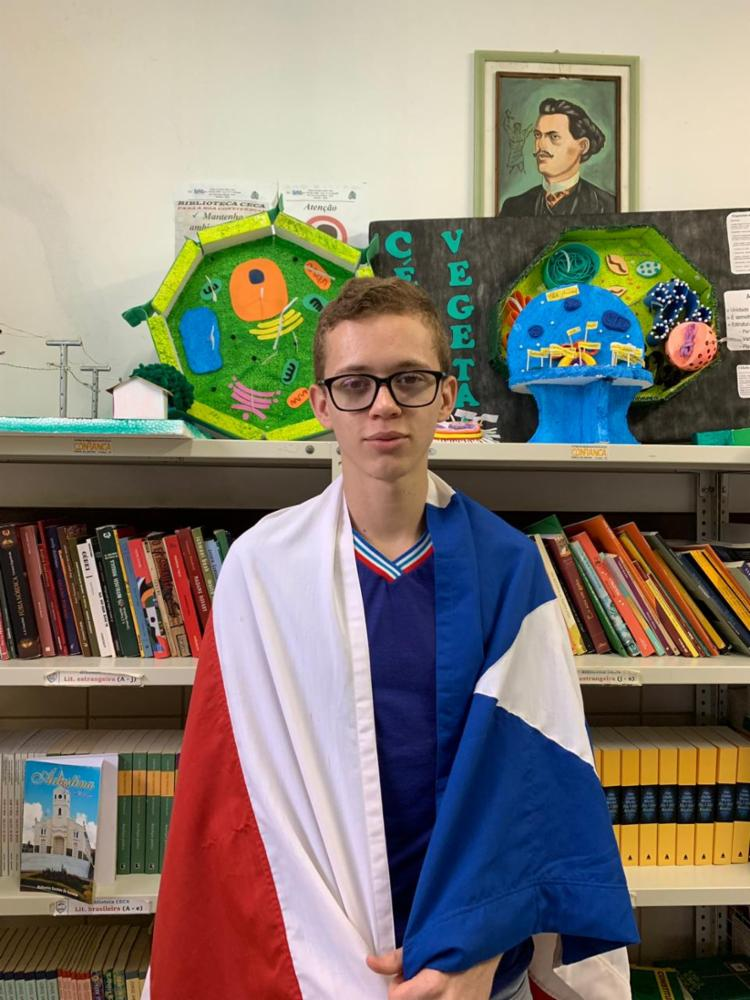 O estudante Miquéias Nascimento Araújo, 18 anos, 3º ano do Colégio Estadual Castro Alves, em Adustina, toma posse em Brasília no PJM - Foto: Divulgação