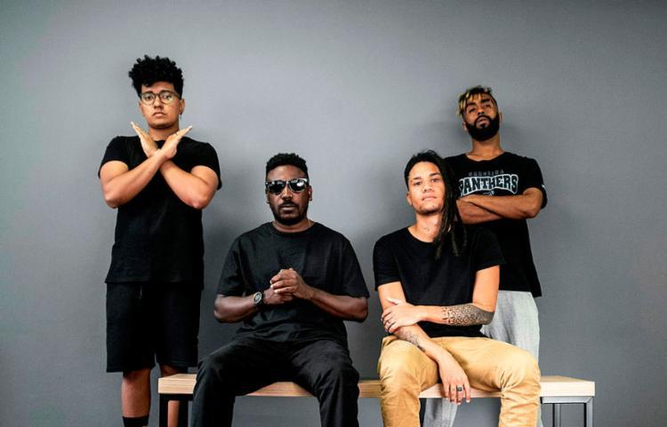 Em vídeo, músicos se mostraram revoltado com o conteúdo dos quadros, que tinha a temática sobre a escravidão - Foto: Rafael Ramos | Divulgação