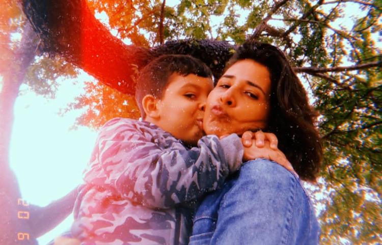 Juliana se tornou avó aos 30 anos e, assim como ela, sua filha foi mãe aos 15 - Foto: Arquivo Pessoal