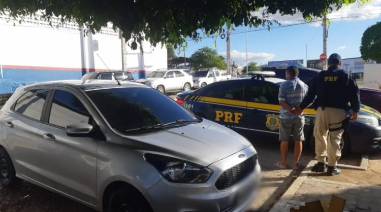 No automóvel foram encontrados indícios de adulterações nos elementos identificadores - Foto: Divulgação | PRF