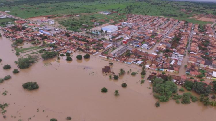 Água que transbordou de barragem alagou ruas e casas de Coronel João Sá - Foto: Divulgação   Ascom Coronel João Sá