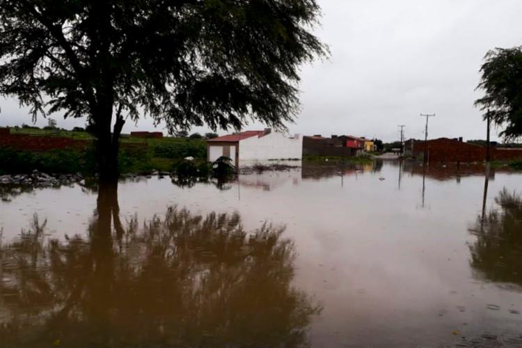 Barragem não aguentou a pressão da água - Foto: Divulgação I Corpo de Bombeiros de Paulo Afonso