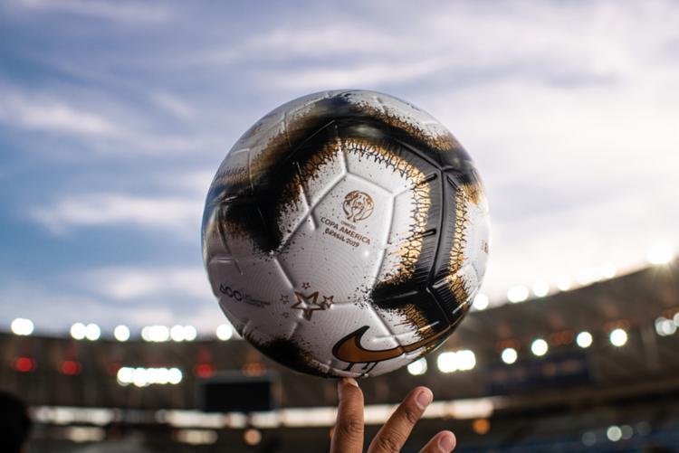 A edição especial Copa América 'Nike Merlin Rabisco' estará disponível no mercado a partir de 4 de julho - Foto: Alex Ferro | COL Copa América Brasil 2019