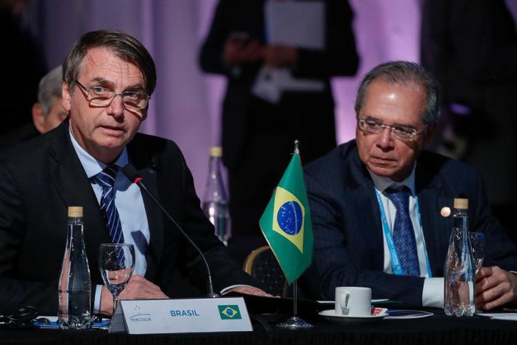 Segundo o presidente, medida representaria 'pequena injeção na economia' - Foto: Alan Santos l PR
