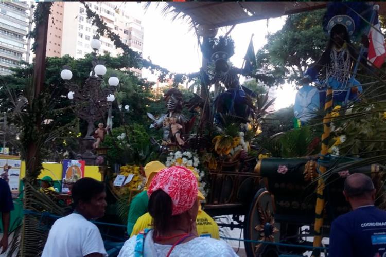 Caboclos desfilam, tradicionalmente, pelas ruas da Liberdade, Santo Antônio Além do Carmo, Pelourinho, Avenida Sete de Setembro até o Largo Dois de Julho