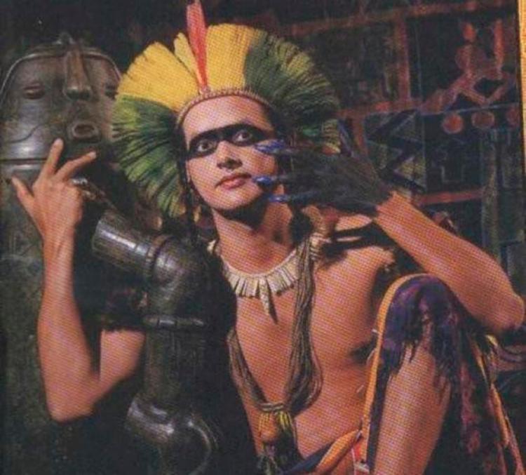 Resultado de imagem para Ex-guitarrista do Chiclete com Banana, Cacik Jonne é enterrado em Salvador