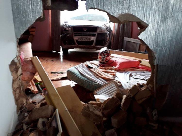 Moradores da residência não ficaram feridos