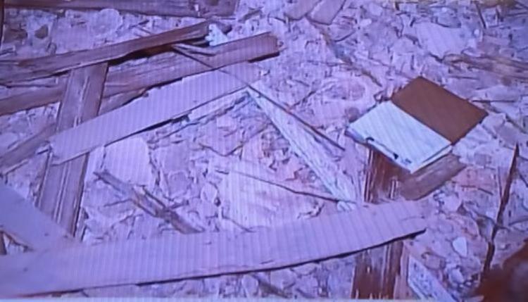 Defesa Civil já trabalha no imóvel pra evitar acidentes - Foto: Reprodução I TV Record