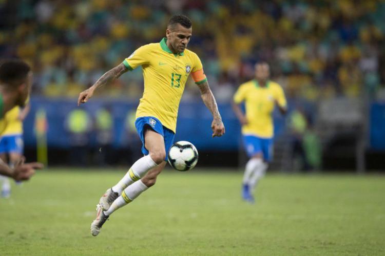 Daniel Alves foi o principal destaque da equipe de Tite na última partida - Foto: Lucas Figueiredo | CBF