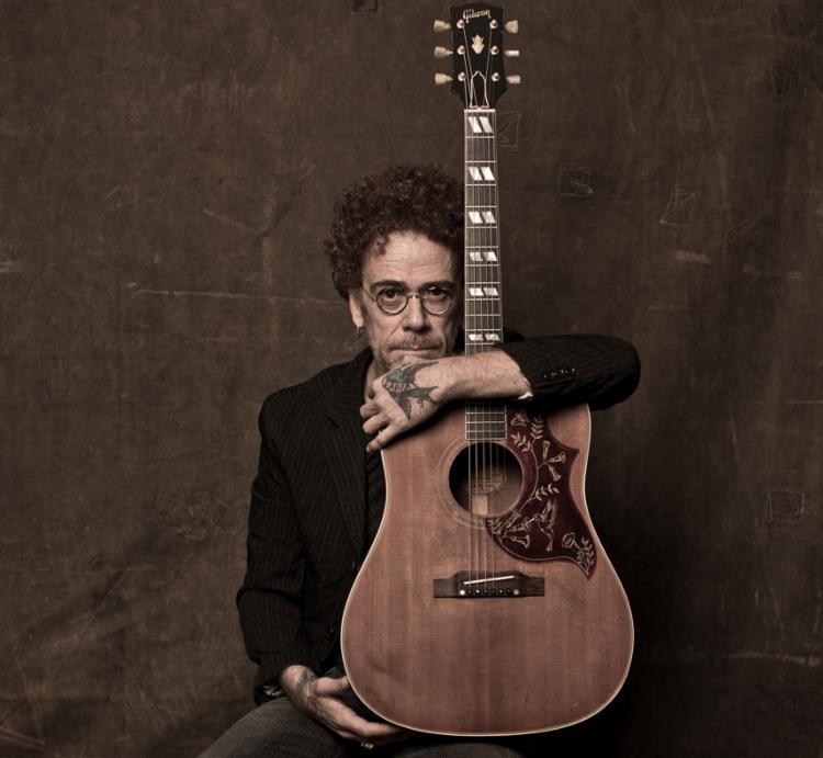 O artista busca mescar seu repertório com músicas autorais e clássicos do cantor Roberto Carlos - Foto: Jorge Bispo | Divulgação