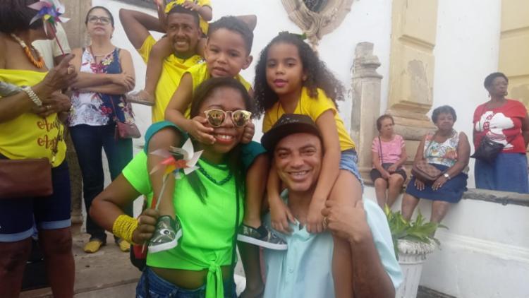 Família participa dos festejos há cinco anos
