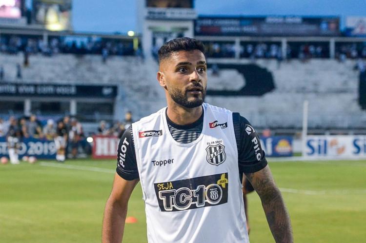 O lateral chega pra suprir a saída de Paulinho, que foi negociado com o Midtylland, da Dinamarca - Foto: Álvaro Jr | Ponte Press