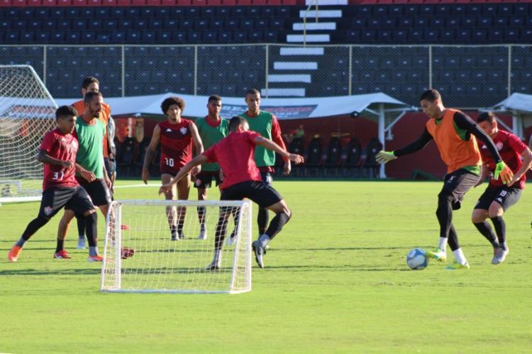 O elenco participou de atividade no campo principal do Barradão - Foto: Divulgação | EC Vitória