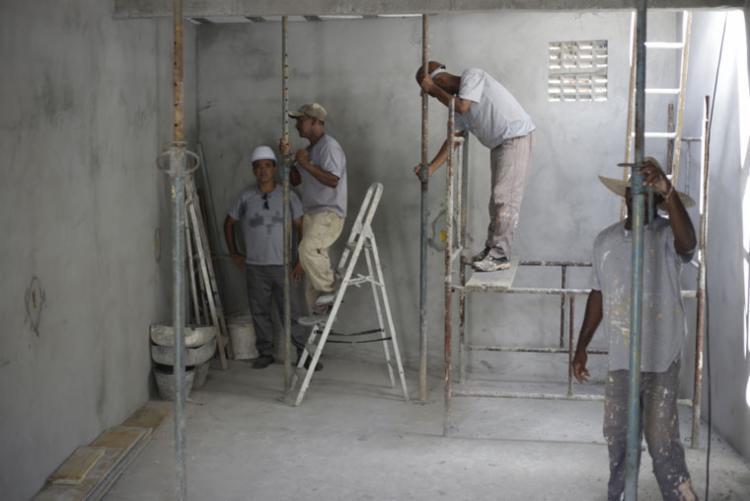 Setor da construção civil teve maior destaque na geração de novos postos na Bahia - Foto: Raphaël Müller | Ag. A TARDE
