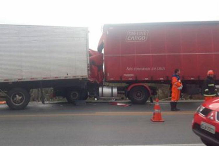 Vítima é o motorista de uma das carretas - Foto: Divulgação | Blog do Anderson