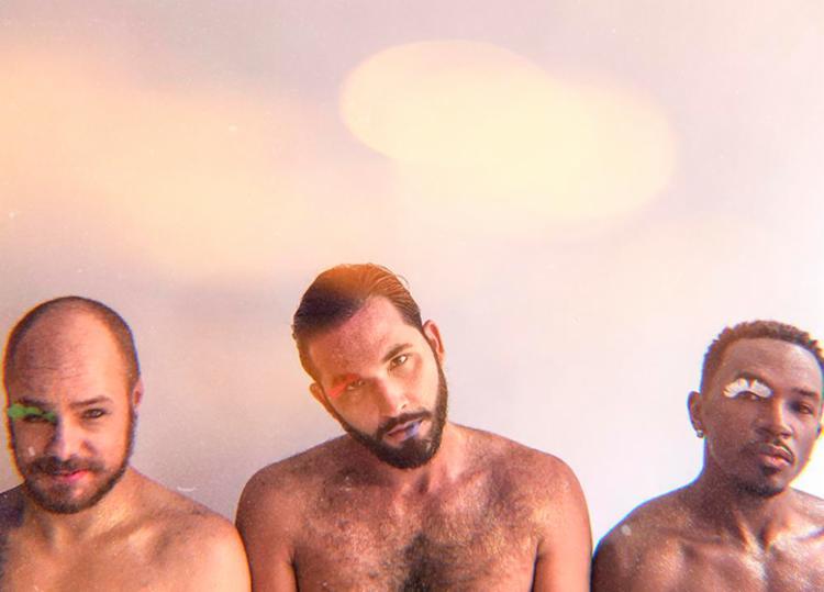 Grupo 'ATeliê voadOR' leva músicas ao vivo do cancioneiro queer ao público baiano - Foto: Divulgação
