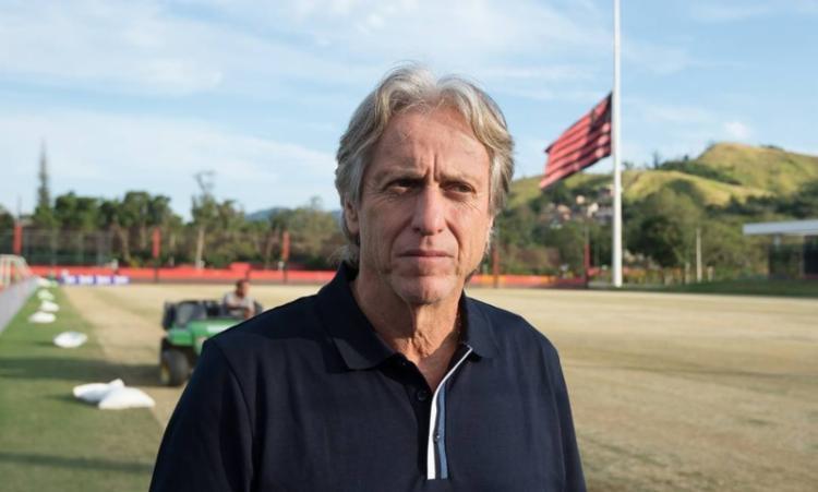 É nítido que o técnico Jorge Jesus tenta implantar o conceito de posse de bola no Rubro-Negro - Foto: Alexandre Vidal | Flamengo